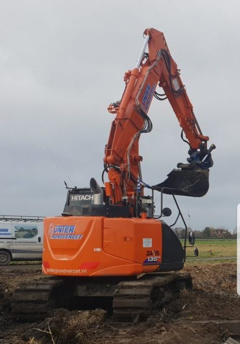 Hitachi ZAXIS 135-US